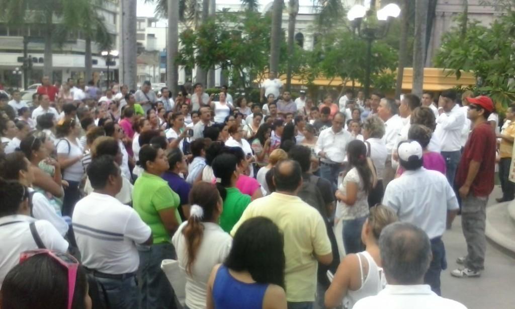 2906-marchan-maestros-en-tampico2