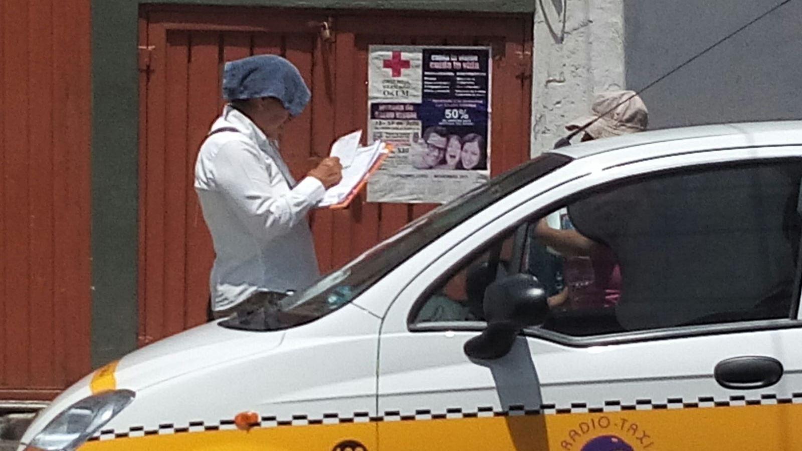 La empleada aplicó la multa a un taxista y a la unidad de gobierno del estado no.