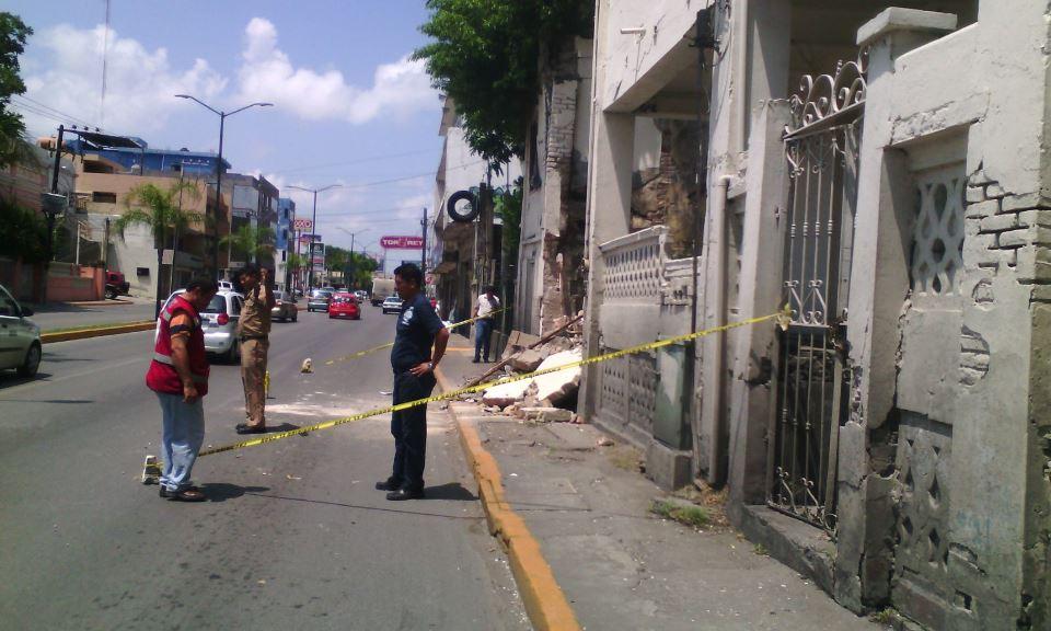 0506-Edificio cae en a pedazos en Tampico