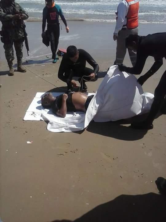 1709-pescador ahogado en playa tesoro