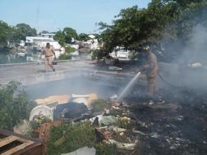 0411-incendio en la isleta perez