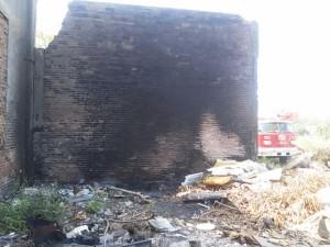 0411-isleta perez incendio