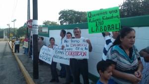 2111- Protesta de maestros en Altamira