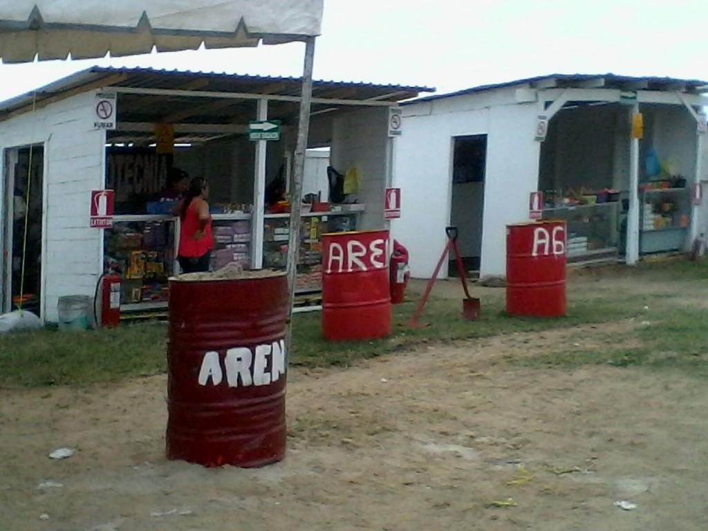 2112- autorizan puestos de venta de artefactos explosivos