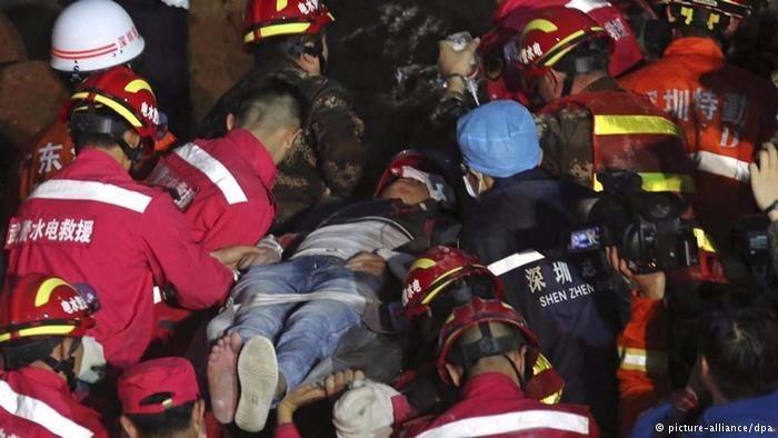 23-12-encuentran a un joven vivo tras permanecer tres dias entre los escombros