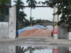 30-vecinos se maifiestan contra empresa por contaminacion  (2)