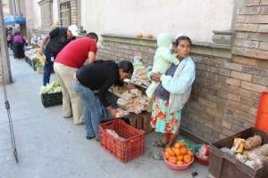 2501- Comercintes informales Tampico