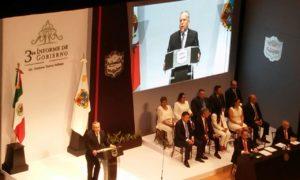 Gustavo torres Salinas hablaba de sus logros cuando fue interrumpido