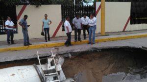 hundimiento-calle-10-ciudad-madero