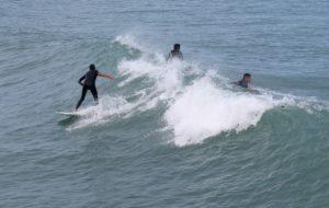 surfistas-en-playa-mirmar-ciudad-madero-4