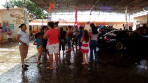 padres-de-familia-de-escuela-afectada-por-la-inundacion-piden-apoyo-1