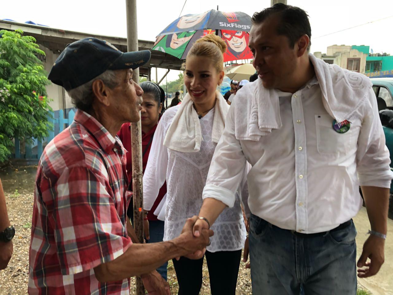 Carlos Toral recorre Fraccionamiento Las Haciendas – Reporte Noreste